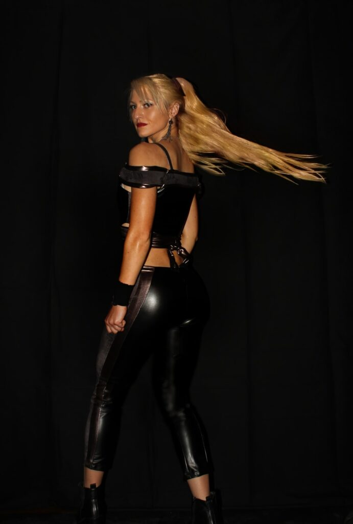 Hot blonde white girl wearing latex and showing some skin